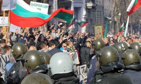 МВР за сблъсъците в Пловдив: Не на етническата омраза!