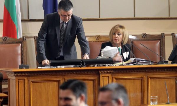6 месеца уседналост за местни избори приеха депутатите