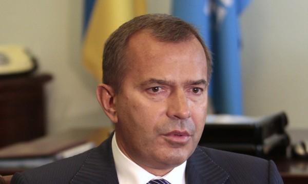 Ранен е бившият шеф на администрацията на Янукович