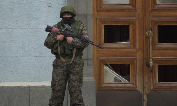 Парламентът на Русия разреши на Путин да прати армията в Украйна