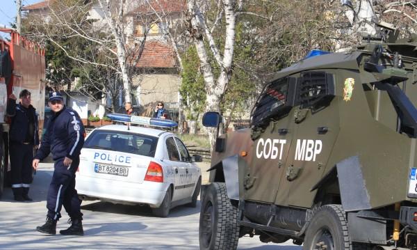 Обезвредиха стрелеца Савов, изведоха го ранен