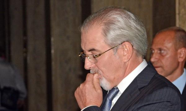 В съдебната власт има дефицити, упрекна Местан
