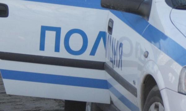 Задържаха 15-годишен, заплашил с бомба летище София