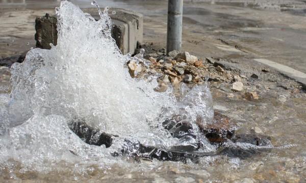 Спират водата в някои части на София днес