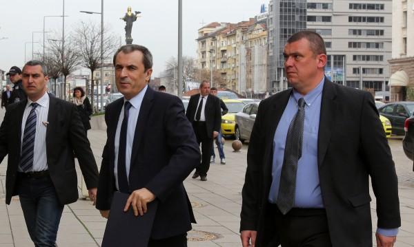 """Премиерът между """"Да"""" и """"Не"""" за евросанкции срещу Русия"""