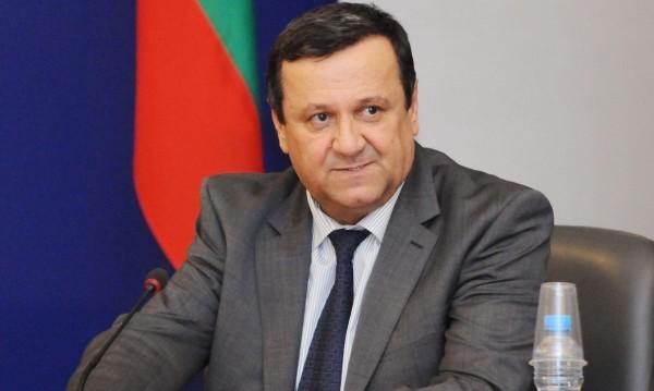Спряхме нарастването на безработицата, радва се Адемов