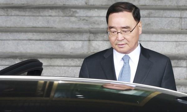 Премиерска оставка в Южна Корея заради потъналия ферибот