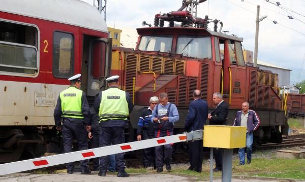 Самоубиец се хвърли пред влак на жп прелез в Благоевград