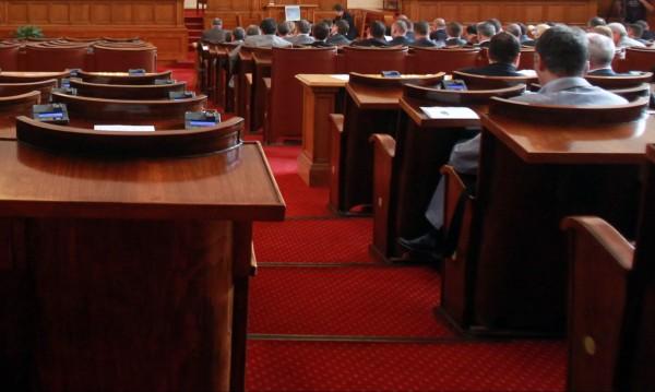 Депутатите бутнаха ветото на Плевнелиев за земеделските земи