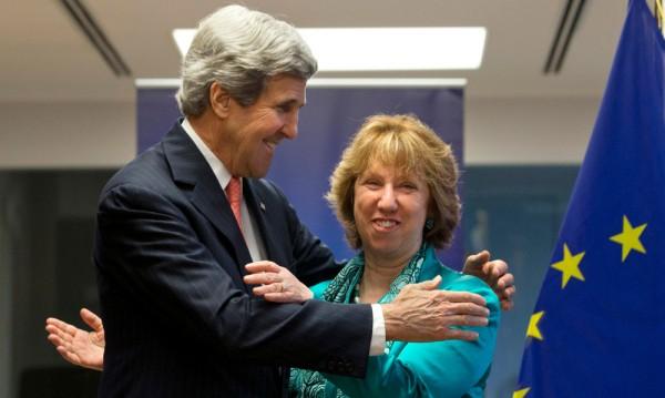 """САЩ и ЕС """"за"""" дипломатическо решение на кризата в Украйна"""