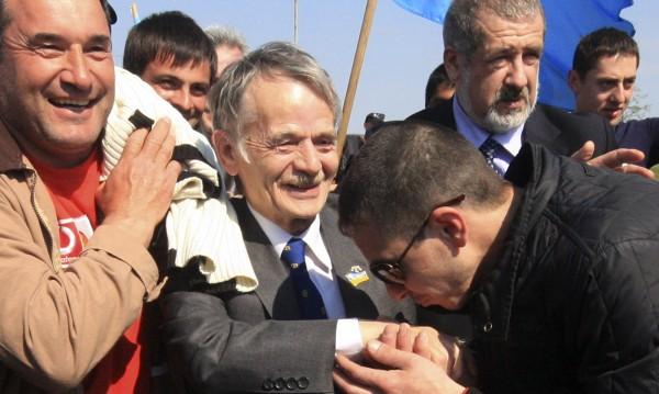 Има риск от кървав конфликт, смята лидерът на кримските татари