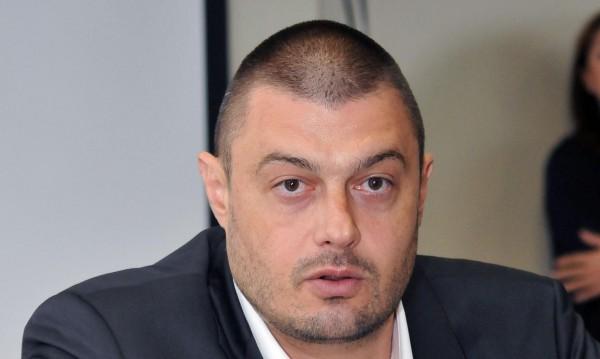 Депутат от ГЕРБ напуска и идва при нас, твърди пак Бареков