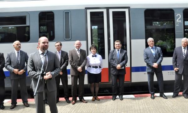 Първият влак Видин - Калафат потегли днес  в 12,25 ч.