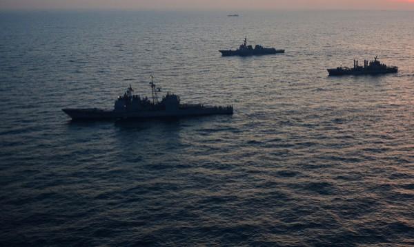 КНДР стреля близо до южнокорейски боен кораб