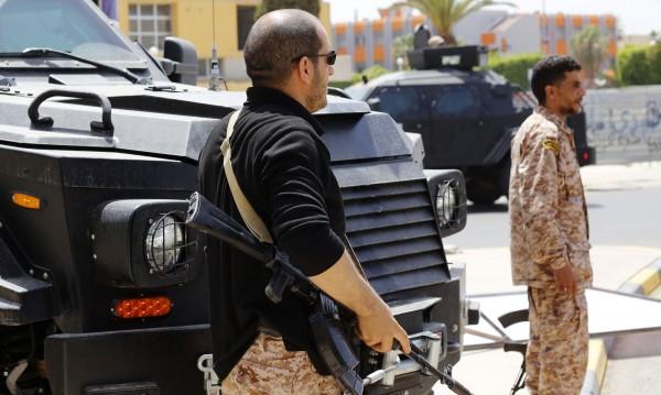 САЩ предупредиха американците незабавно да напуснат Либия