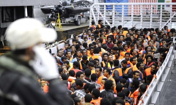 3000 мигранти достигнаха италианските брегове днес