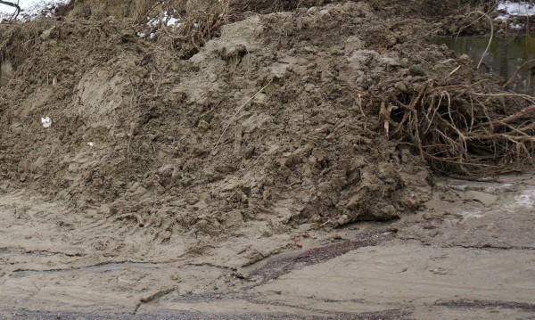 С над 260 000 лв. укрепват свлачище и автогарата в Ковачевци