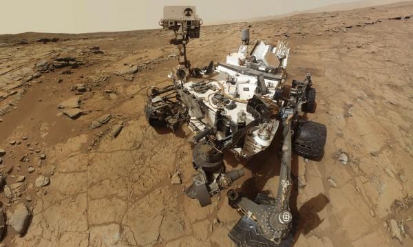 НАСА ще прати хора на Марс до 2035 г.
