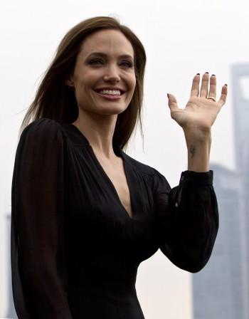 Ролята на Клеопатра ще е последна за Анджелина Джоли