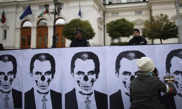 WSJ: Дните на българското правителство са преброени
