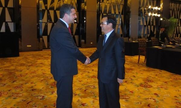 Стойнев: Ще подкрепим всяка китайска инвестиция