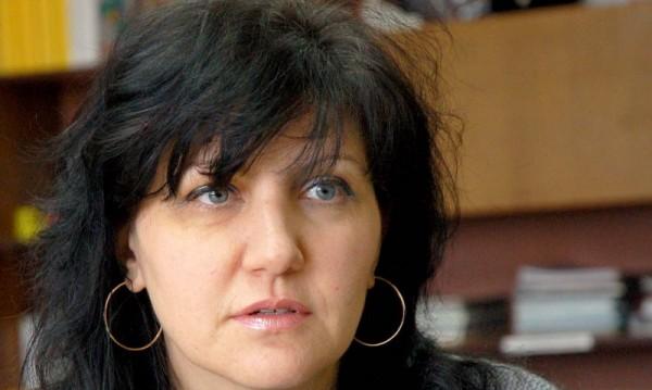 България е на прага на финансова катастрофа, отсече Караянчева