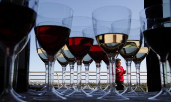 Две чаши червено вино на ден ни пазят от инфаркт