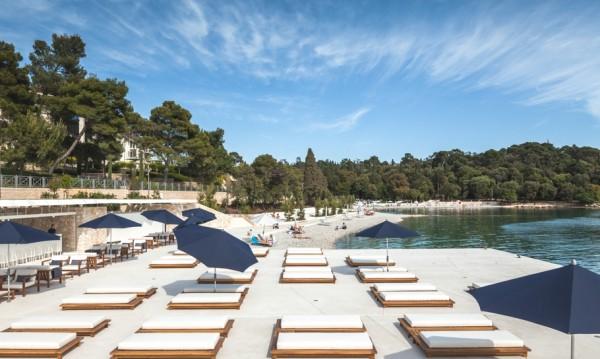 Луксозен плажен клуб в Хърватия