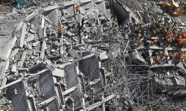 47 са жертвите на рухналата сграда в индийския щат Тамил Наду