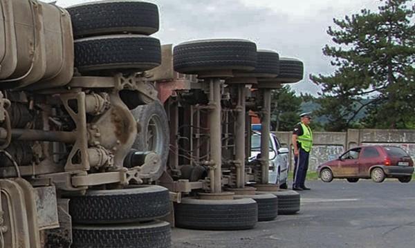 Шофьор загина след тежка катастрофа край шуменско село