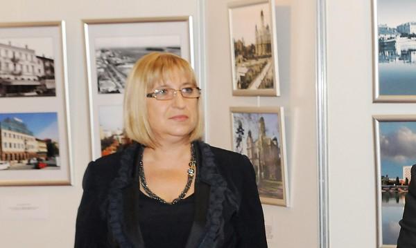 Агонията в парламента е пълна, смята Цачева