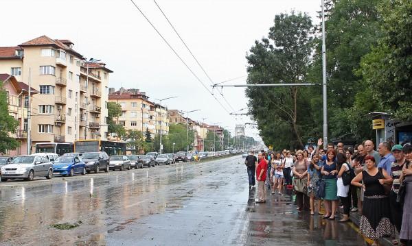 Градският транспорт в София се движи по нормалните си маршрути