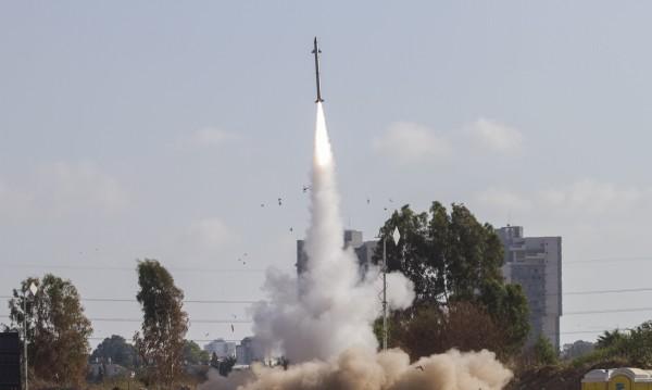 Изстреляха ракети срещу атомна централа в израелски град