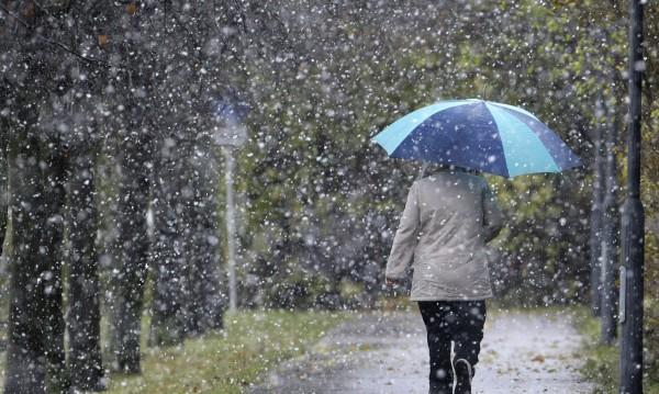 Посред лято: Сняг валя в Южен Урал