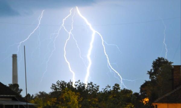 Задават се бури с гръмотевици в 6 области утре
