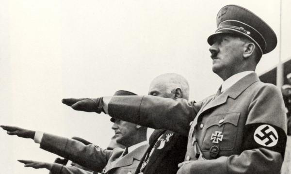 Кой съживява Хитлер в социалните мрежи?