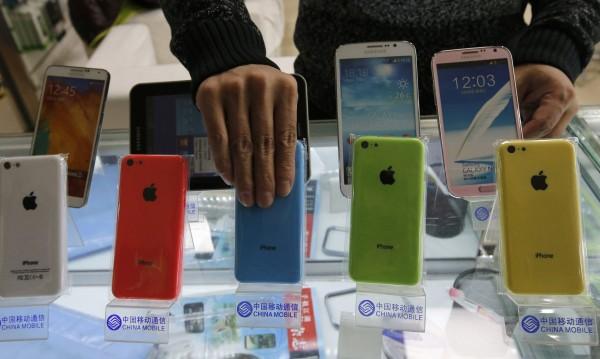 Следващият iPhone влиза в масово производство този месец
