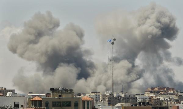 Въздушни удари в Газа убиха най-малко 20 палестинци
