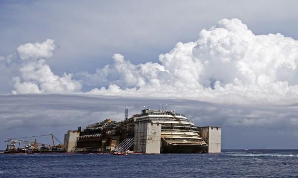"""Спасителната операция за """"Коста Конкордия"""" ще стимулира италианската икономика"""