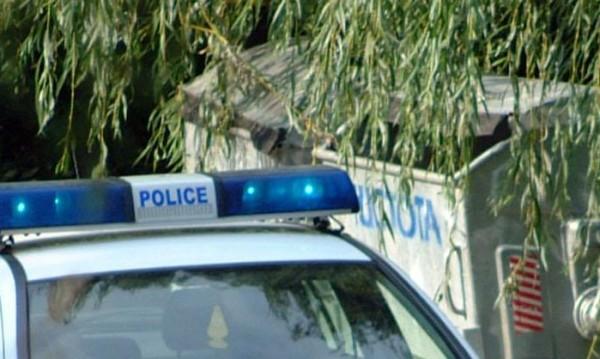 Иззеха нелегална козметика и спортни стоки в Костинброд