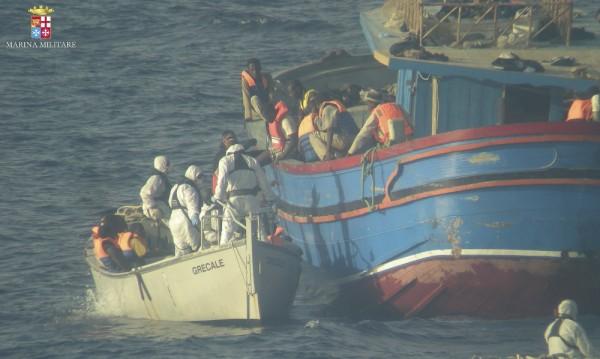 Броят на мигрантите през Средиземно море е близо 100 000 тази година