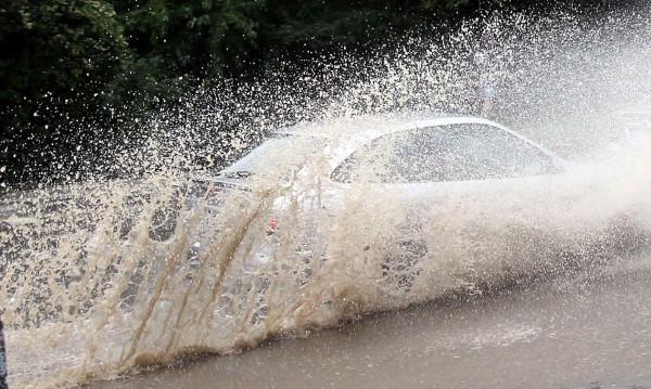 МОСВ предупреди: Реките се покачват, възможни са наводнения