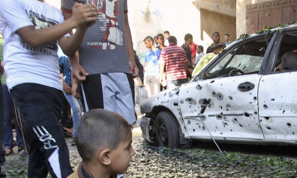 Седем палестинци загинаха при израелска бомбардировка