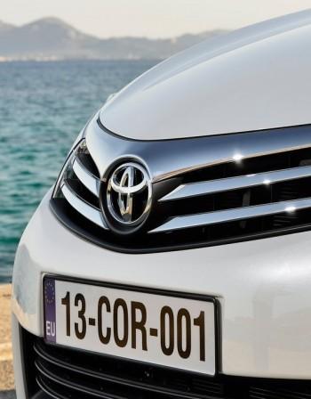 Toyota остава номер едно по продажби през първото шестмесечие