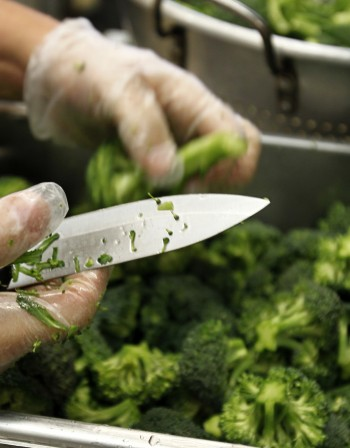 Запекът се бори с броколи