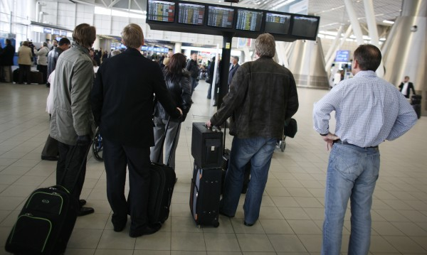 Какви са външните заплахи пред сигурността на авиокомпаниите