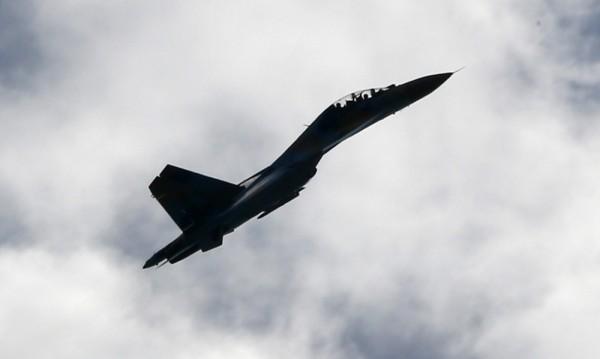 Руски военни учения с над 100 самолета близо до Украйна