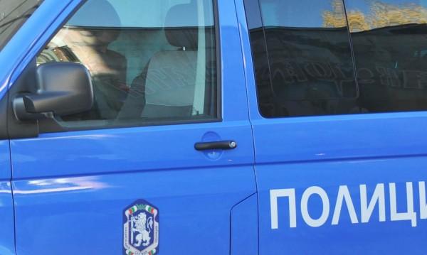 Проверяват сигнал за взрив в Костенец