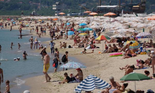 Туризмът очаква 12% спад на приходите тази година