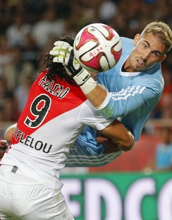 Бербатов не можа да спаси Монако от срамна загуба